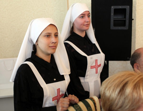 Милосердие, трудолюбие, сила духа. Медицинские сестры отмечают профессиональный праздник