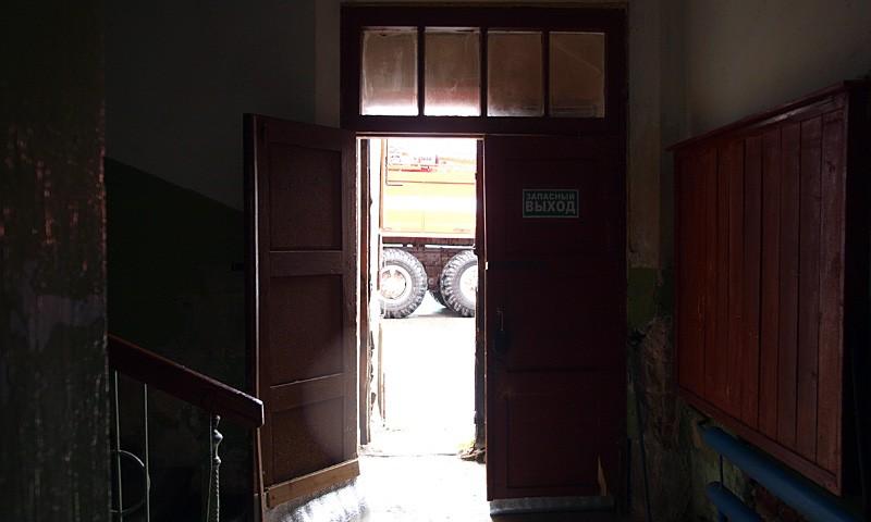 Этот выход планируется сделать входом в редакцию газеты.