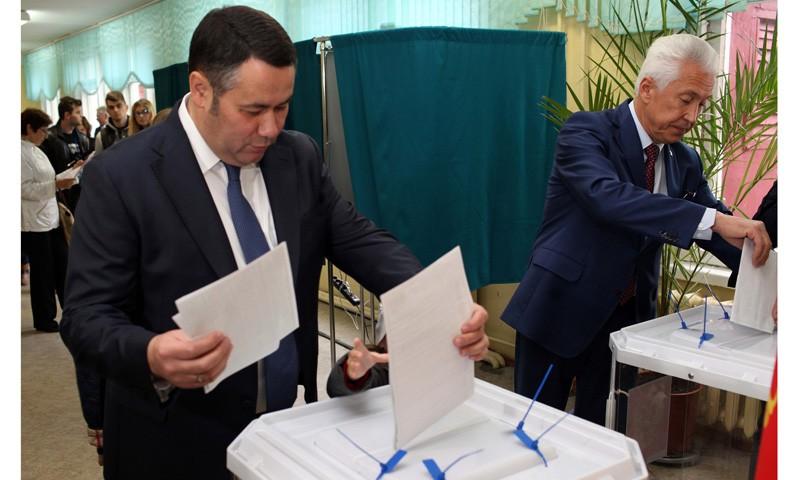 Приняли участие в выборах Игорь Руденя и Владимир Васильев