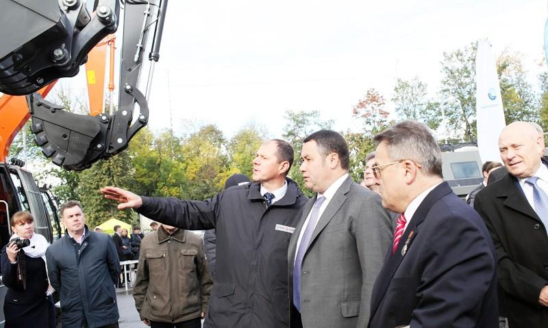 Машиностроителей Тверской области поздравил с профессиональным праздником Игорь Руденя
