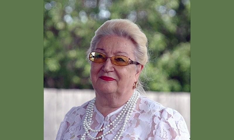 Лариса Стрельникова
