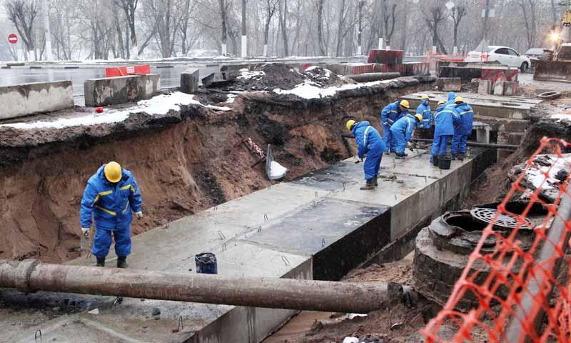 Ход работ на объектах реконструкции теплотрасс в Твери проинспектировал губернатор Игорь Руденя