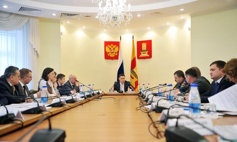 Введут круглосуточное дежурство по содержанию дорог в Тверской области
