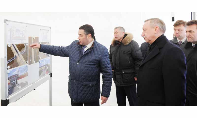 Участок строительства автомобильной развязки в Чуприяновке осмотрели Игорь Руденя и Александр Беглов