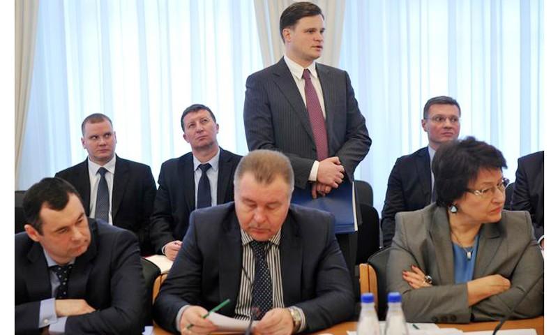 Обеспечить слаженность работы всех служб в восстановлении энергоснабжения в районах Тверской области