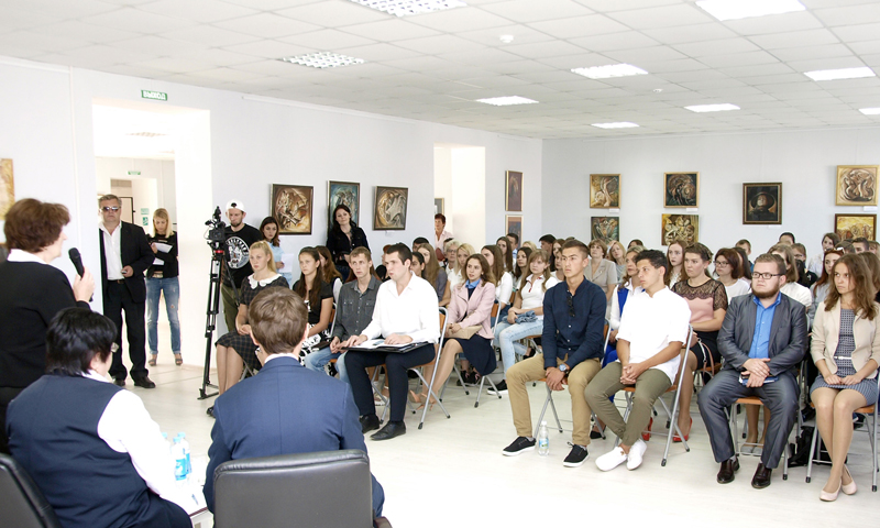 Ответили на вопросы молодёжи Кимрского района представители областной власти