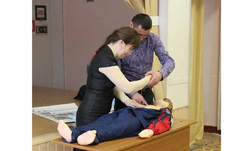 Специалисты Тверьэнерго провели занятие по электробезопасности для преподавателей Вышневолоцкого колледжа