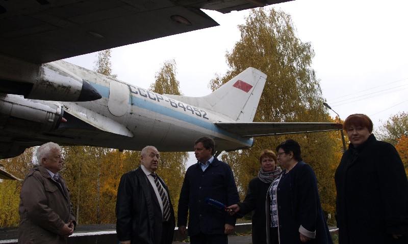 Андрей Епишин у самолетеа ТУ-124