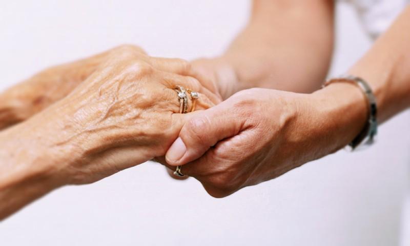 Соц услуги пожилым на дому а уход за лежачими больными