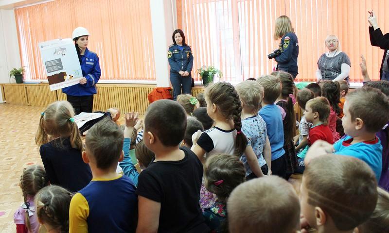 Энергетики тверского филиала МРСК Центра совместно с МЧС провели урок для воспитанников детского сада