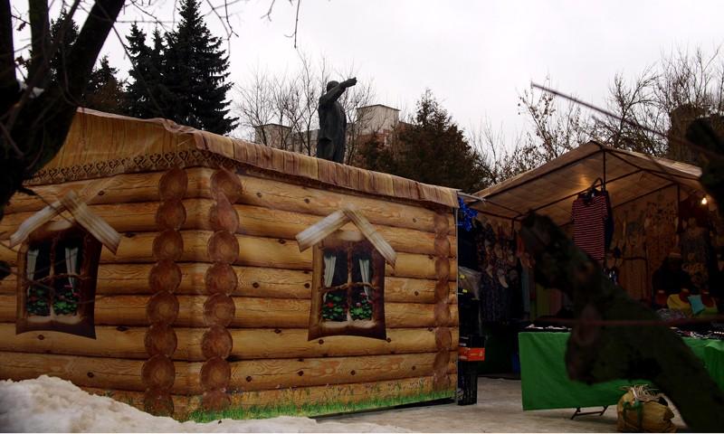 Домики-павильоны на ярмарке в Кимрах