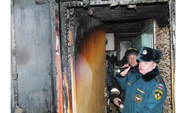 В Кимрах пожарные спасли мужчину из горящей квартиры