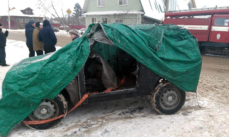 Аварийный автомобиль «Нива» на пожаре в Кимрах