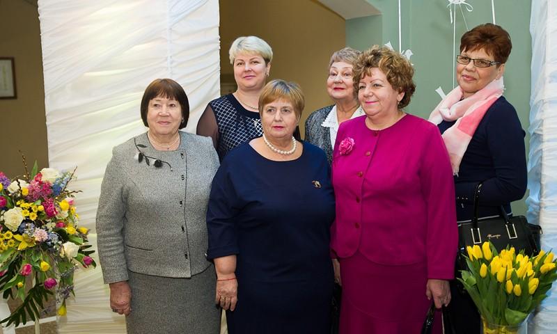 Губернатор Игорь Руденя вручил награды женщинам Тверской области