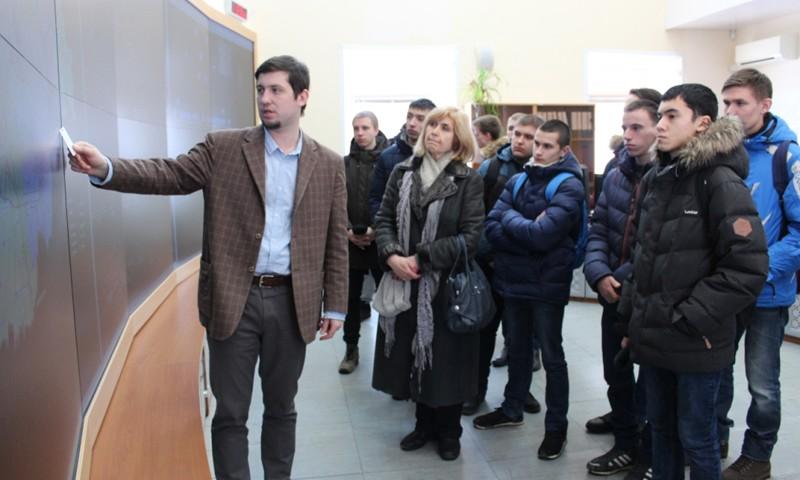 Тверьэнерго провел день открытых дверей для будущих электромонтеров