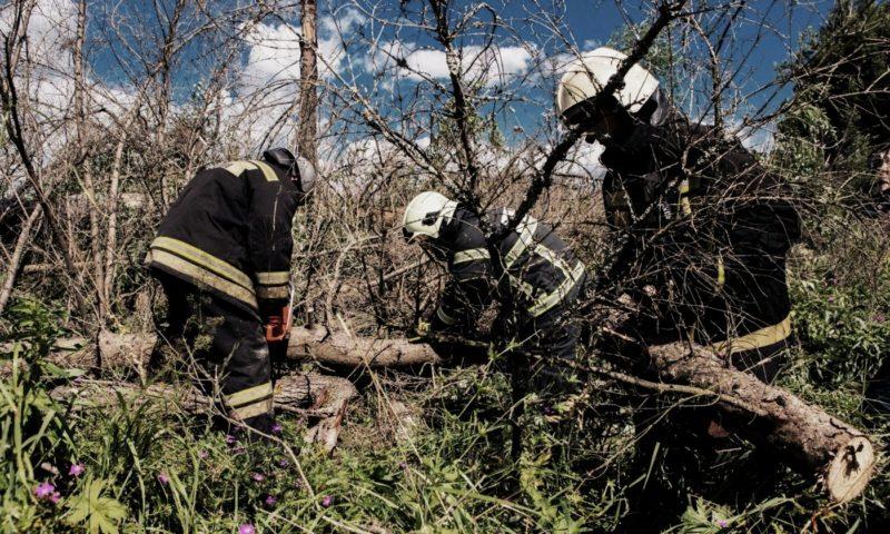 В Тверской области продолжаются работы по восстановлению электроснабжения