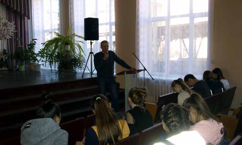 Ученики средней школы №13 побывали на презентации «Книги памяти. Кимры»