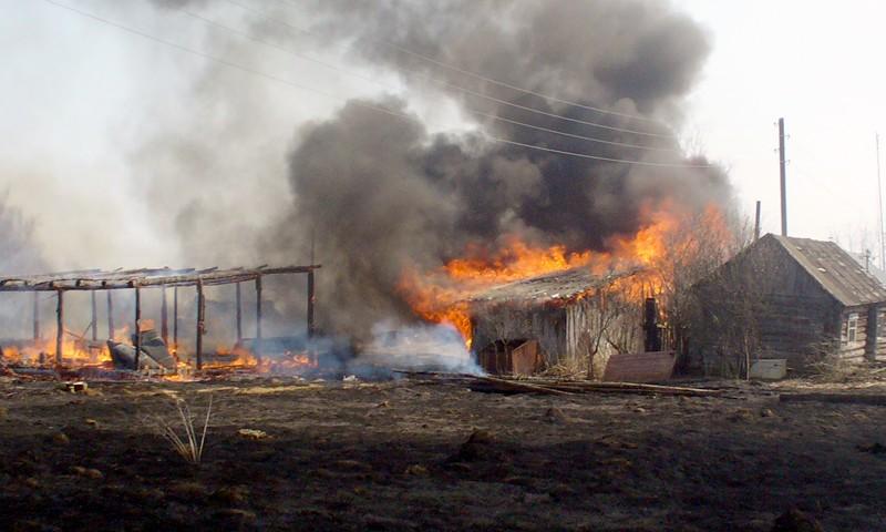 Сжигание травы привело к пожарам