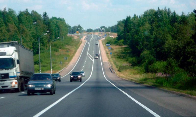 В Тверской области идёт ремонт дороги от трассы М-10 к тоннелю в Чуприяновке