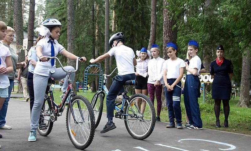 Детский лагерь «Сосновый бор» посетили члены общественного совета и сотрудники МО МВД России «Кимрский»