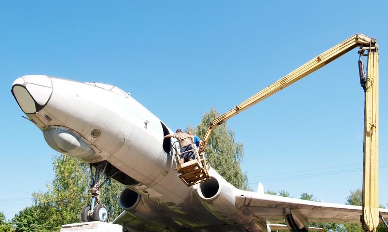 Самолет готовят к переезду