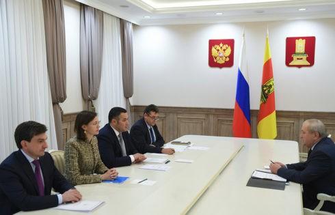 Губернатор Игорь Руденя обсудил с главой Западнодвинского района Виталием Ловкачевым вопросы развития муниципалитета