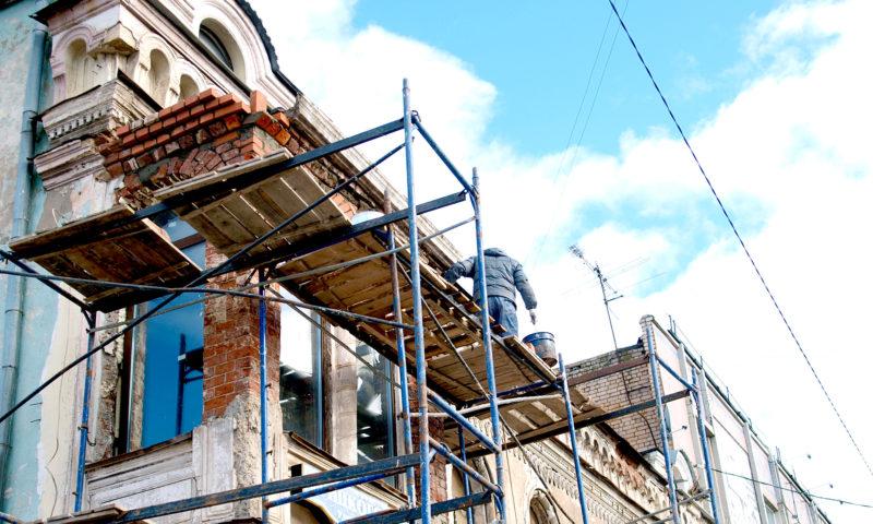 Собственники памятника культурного наследия в Кимрах приводят в порядок ОКН с названием «Трактир»