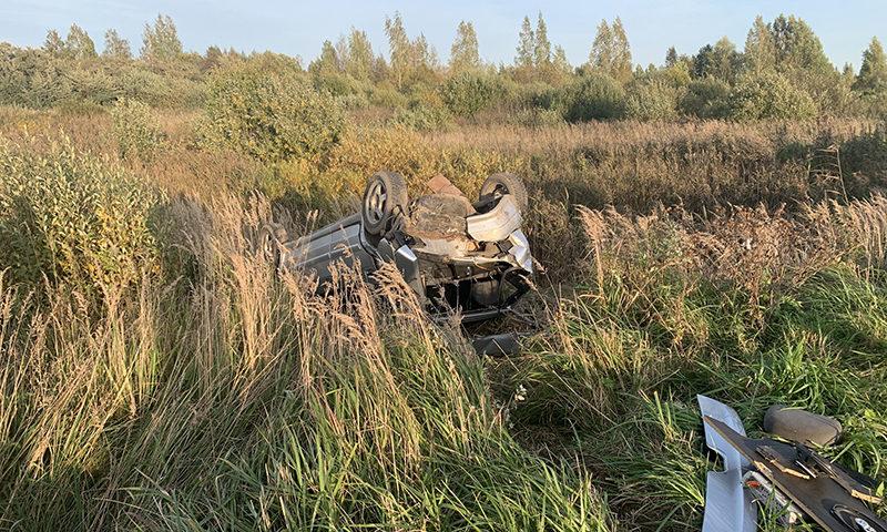 При аварии двух авто пострадали 3 человека