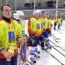 17-летние хоккеисты из Кимр выиграли золото чемпионата, а юниоры на пути к победе