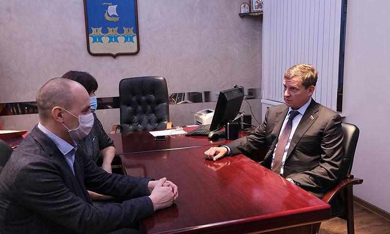 Здравоохранение – одна из тем визита сенатора Андрея Епишина в Кимры
