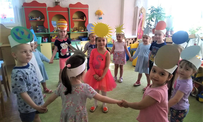 Весенняя жизнь детских садиков и школ