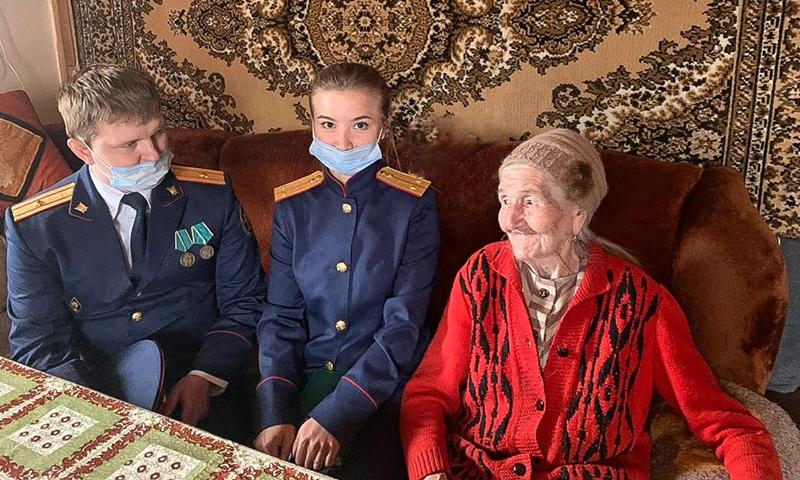 Кимрские следователи поздравили А.И. Струкову